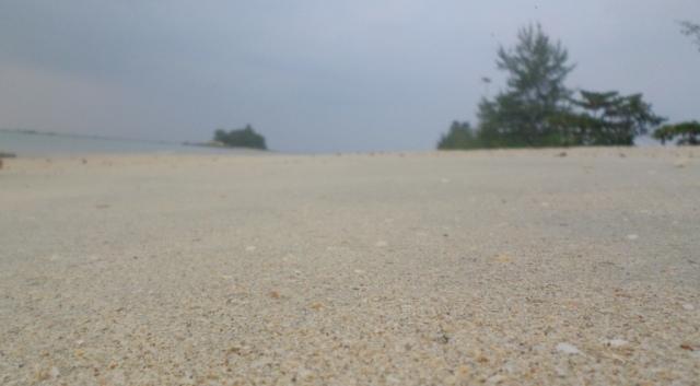 pantai trikora 3
